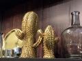 In Gold macht sicher der kleine stachelige Gesell auch ganz gut.